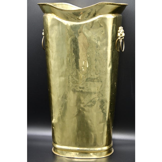 English Hollywood Regency Style Hammered Brass Cane Holder / Umbrella Stand For Sale - Image 3 of 13
