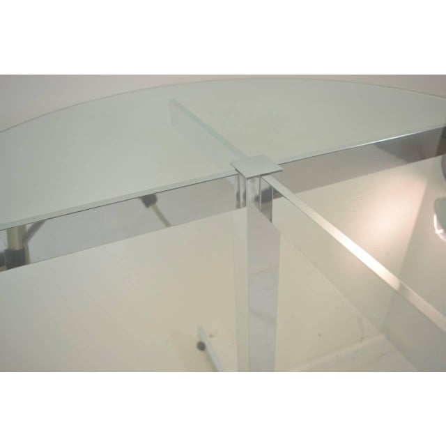 Polished Aluminum Modernist Table For Sale In New York - Image 6 of 6