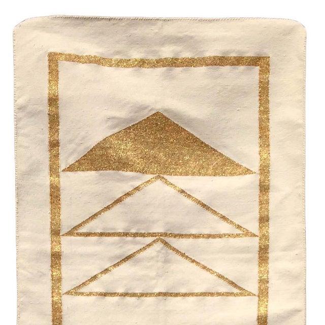 Geometric Nicole Handwoven Modern Gold Runner Rug, Carpet, Durrie - 2.5' X 8' For Sale - Image 4 of 5