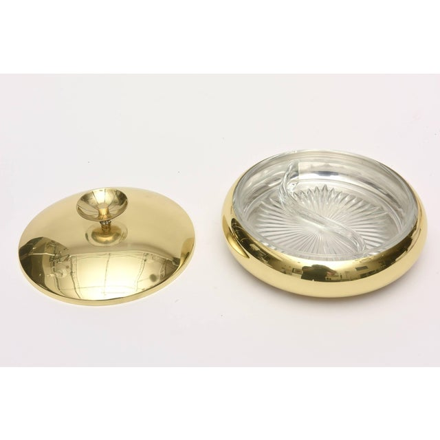 1950s Mid-Century Modern Tommi Parzinger Polished Brass Box or Bowl For Sale In Miami - Image 6 of 11