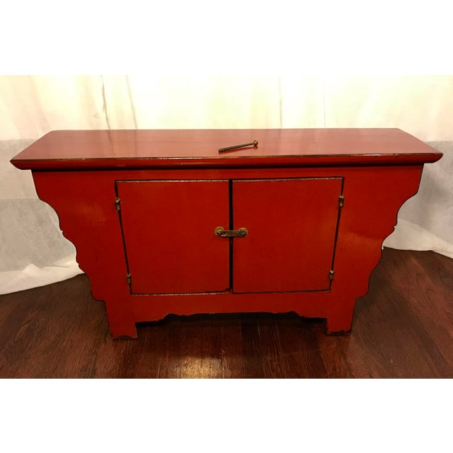20th Century Chinese Cinnabar Colored Lacquered Sideboard Buffet For Sale In Los Angeles - Image 6 of 11