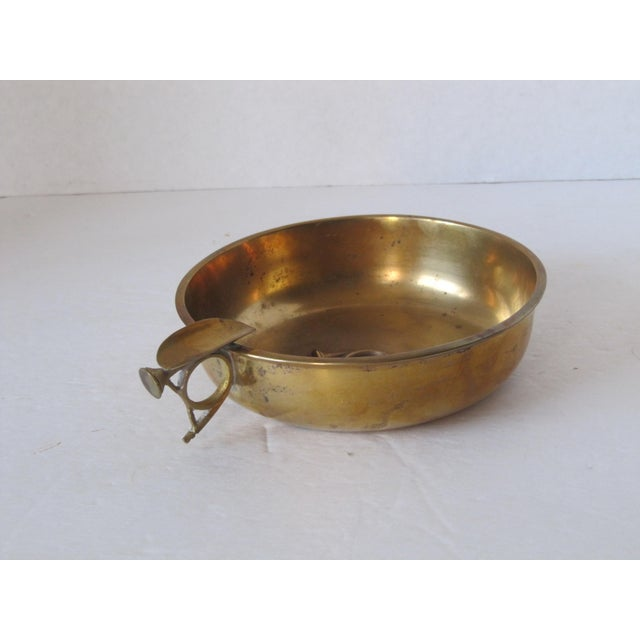 Beautiful vintage brass fox hunting horn bowl/pipe tray with a hunting horn handle and motif in the center. This piece...