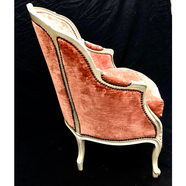 Early 20th Century Antique French Louis XV Style Rose Velour Bergere Armchair with Nailhead Trim For Sale - Image 5 of 13