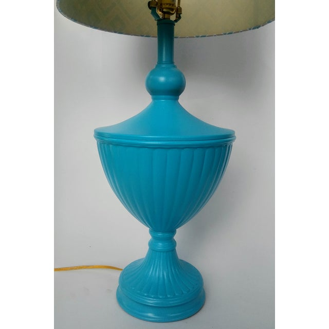 Hollywood Regency Turquoise Urn Table Lamp For Sale - Image 4 of 6