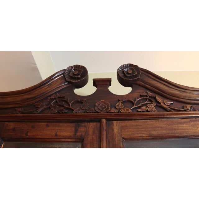 Chippendale / Queen Anne Style Display Cabinet with Ball and Claw Feet For Sale - Image 4 of 12