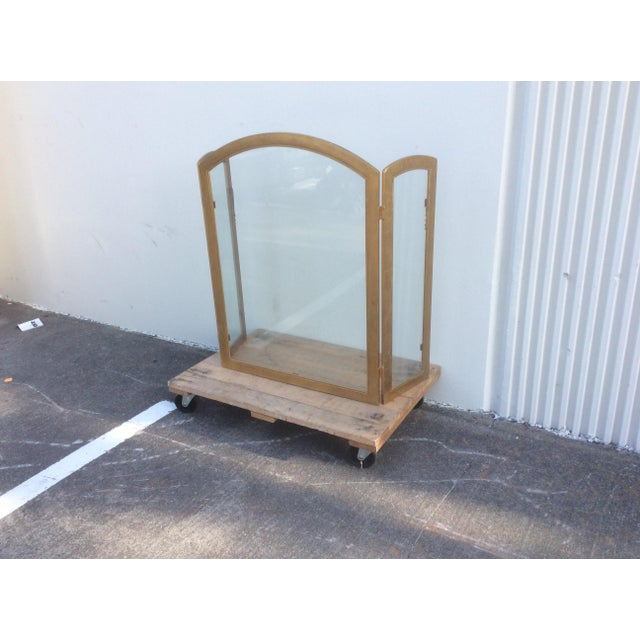 Beautiful Gilt Metal and Glass Fire Screen For Sale In San Antonio - Image 6 of 9