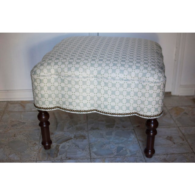 British Colonial Custom Holland and Sherry Fabric Upholstered Scalloped Ottoman For Sale - Image 3 of 8