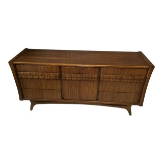 Vintage Mid-Century Walnut Dresser/Credenza For Sale
