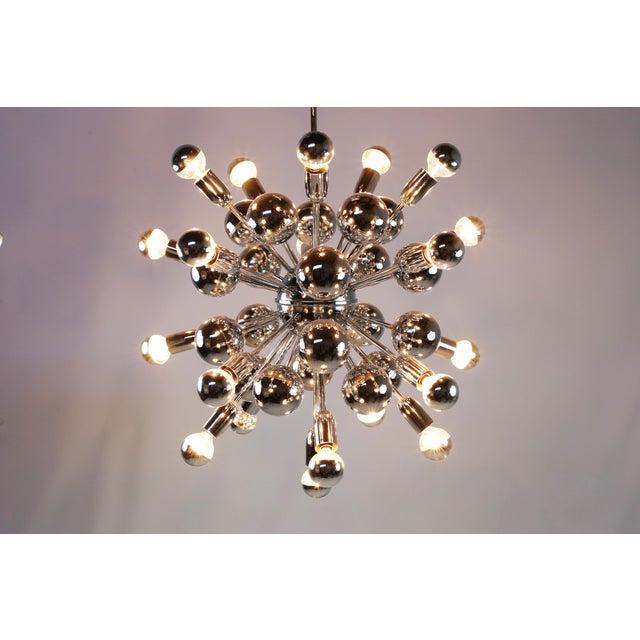 Mid-Century Modern Mid-Century Lightolier 20 Light Sputnik Chandelier For Sale - Image 3 of 9