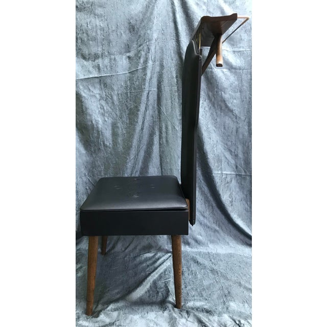 1960s Mid Century Modern Black Vinyl & Wood Butler Storage Chair For Sale - Image 4 of 10