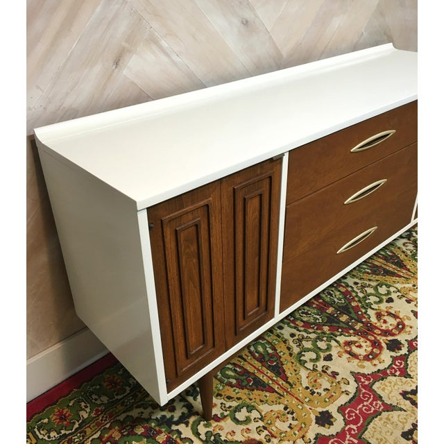 Mid-Century Broyhill Sculptra Buffet / Credenza - Image 4 of 7