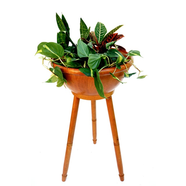 Brown Mid-Century Danish Modern Teak Freestanding Salad Bowl Stand & Utensils For Sale - Image 8 of 9