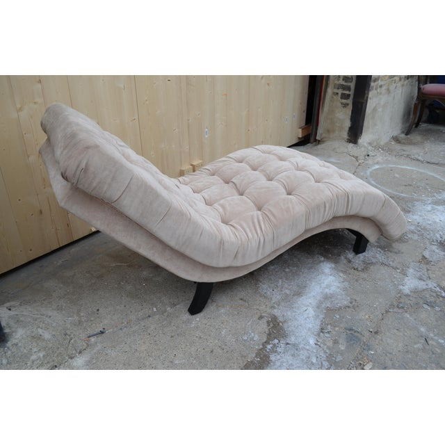 Contemporary Ivory Tufted Chaise Lounge Chair For Sale In Chicago - Image 6 of 10