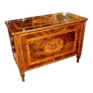Early 19th Century Neoclassical Walnut Marquetry Chest of Drawers in Style of Maglioni For Sale