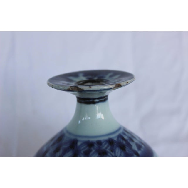 Chinese Blue and White Ceramic Bud Vase For Sale - Image 4 of 8
