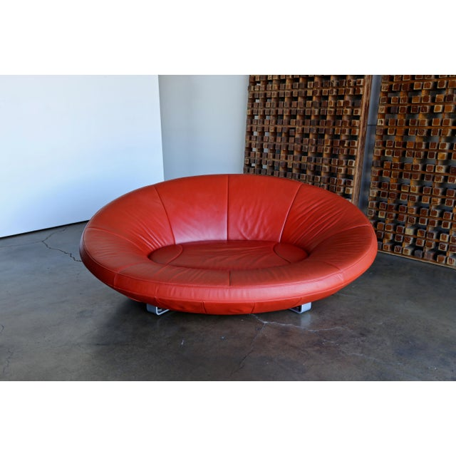 Jane Worthington DS 152 oval sofa in red leather for De Sede. Switzerland, circa 2002.