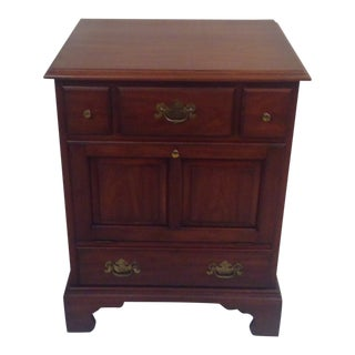 1960s Traditional Henkel and Harris Solid Black Cherry Nightstand For Sale