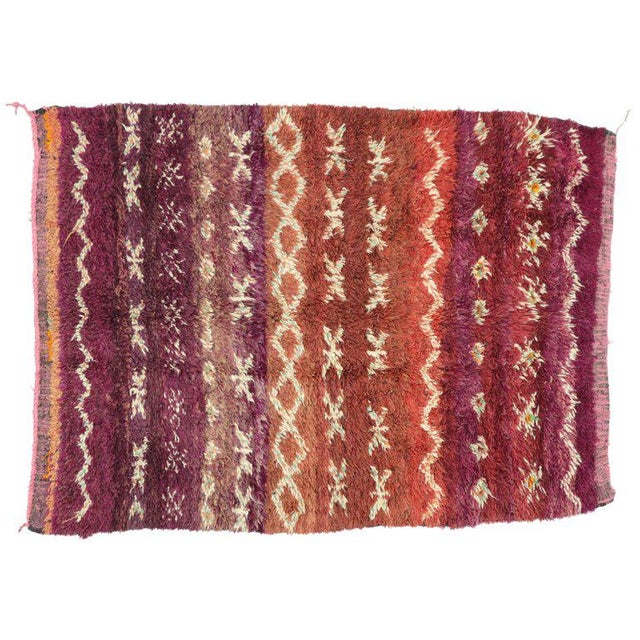 Berber Tribes of Morocco Vintage Berber Moroccan Rug with Modern Style For Sale - Image 4 of 5