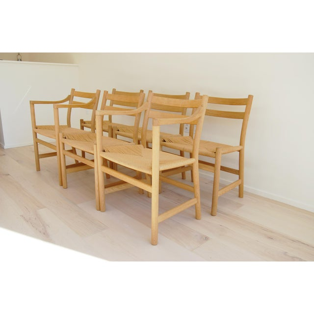 Beautiful Danish modern oak 2 dining armchairs Ch46 and 4 chairs Ch47 designed by Hans J. Wegner for Carl Hansen & Son...