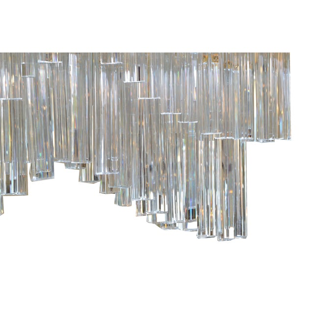 1960s Pagoda Chandelier in Crystal and Brass For Sale - Image 5 of 13