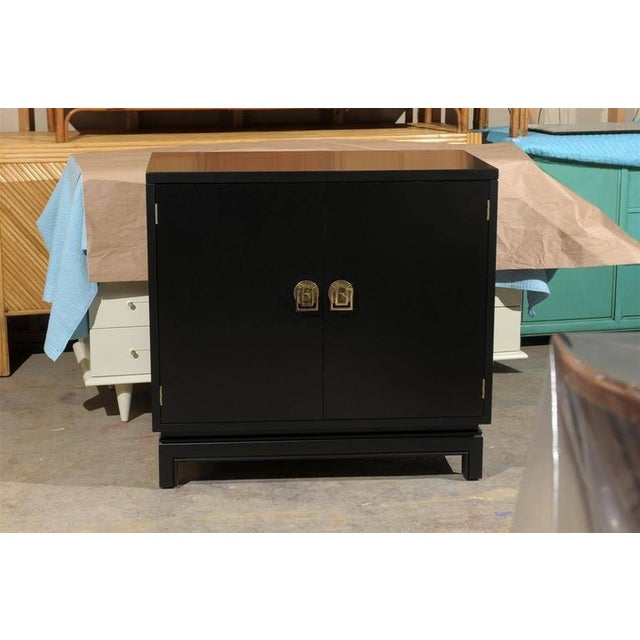 Gold Elegant Mahogany Cabinet by Renzo Rutili in Black Lacquer For Sale - Image 8 of 9