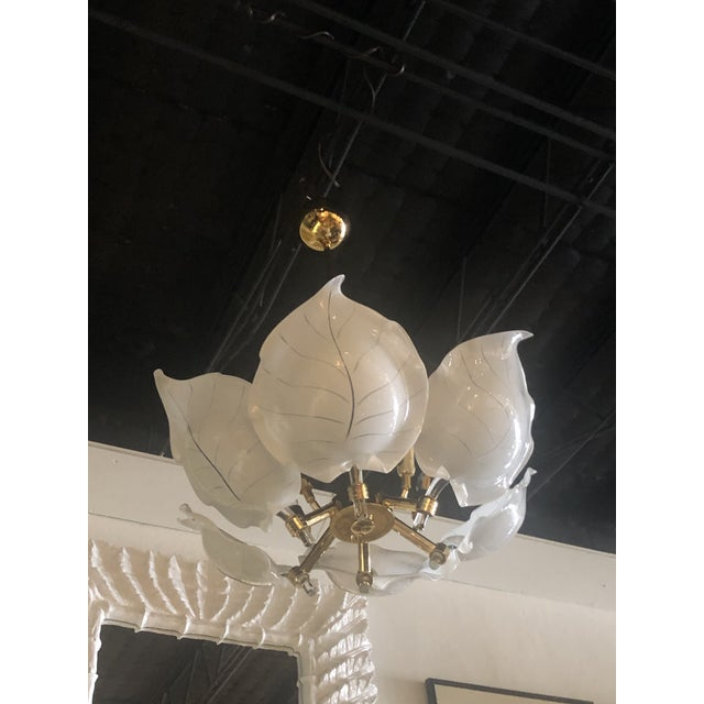1980s Vintage Italian Hollywood Regency Murano Glass Brass Tropical Leaf Chandelier For Sale - Image 5 of 10
