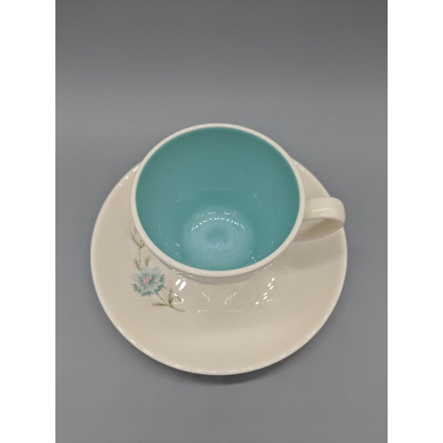 "Mid-Century Modern Mid-Century Taylor Smith & Taylor ""Boutonniere"" Teacup and Saucer, Cream With Turquoise Interior - a Set For Sale - Image 3 of 6"