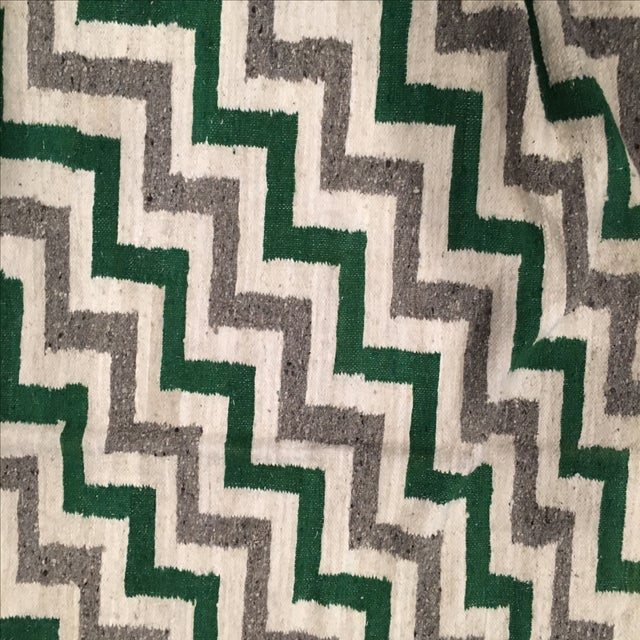 Green & White Wool Flat-Weave Rug - 4′3″ × 5′6″ - Image 3 of 6