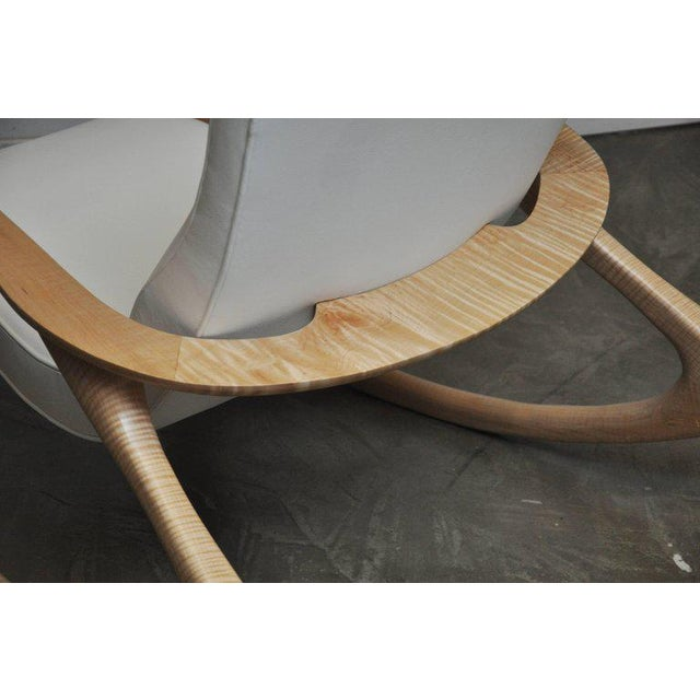 """White Vladimir Kagan """"Erica Rocking Chair"""" with Rare Maple Frame, circa 1960s For Sale - Image 8 of 10"""