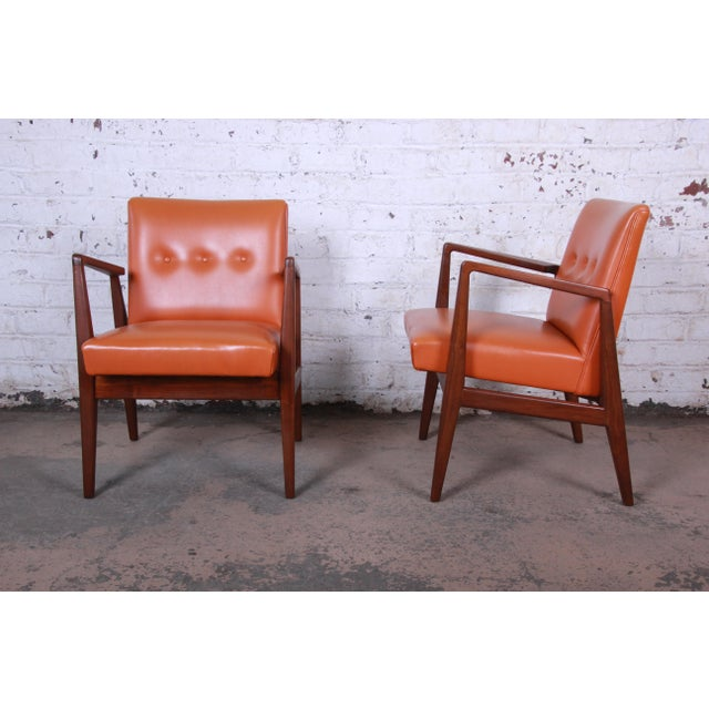 Jens Risom Mid-Century Modern Sculpted Walnut Lounge Chairs, Pair For Sale - Image 12 of 12