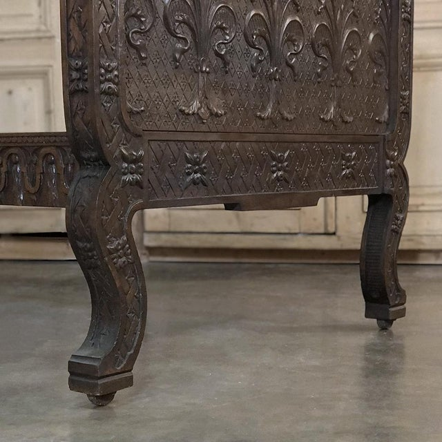 19th Century Italian Florentine Hand-Carved Walnut Bed For Sale - Image 10 of 13