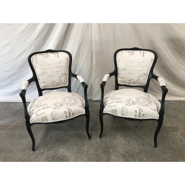 1910s French Antique Louis XV Style White Linen Arm Chairs - a Pair For Sale - Image 12 of 12