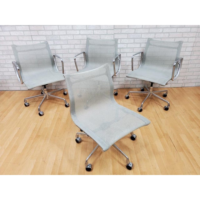 2000 - 2009 Mid Century Modern Eames for Herman Miller Aluminum Group Chair - Set of 4 For Sale - Image 5 of 5