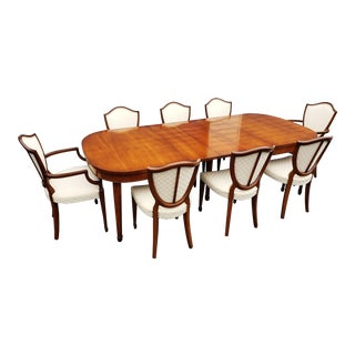 Drexel Heritage Dining Room Set -Table, 3 Leafs and 8 Hepplewhite Chairs For Sale