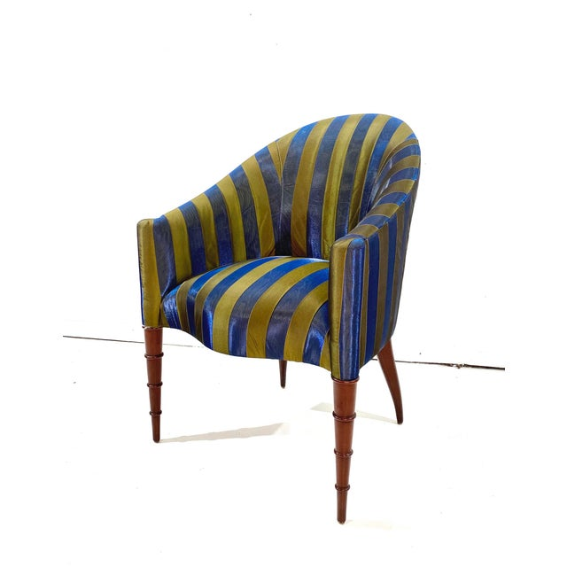 Elegant Upholstered Accent Chair With Turned Legs Attributed to Donghia For Sale In Chicago - Image 6 of 10