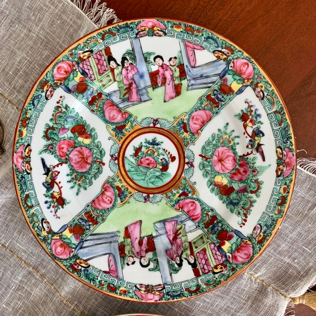 1970s 1970s Vintage Chinese Rose Medallion Famille Rose Hand Decorated Porcelain Plates - a Pair For Sale - Image 5 of 10