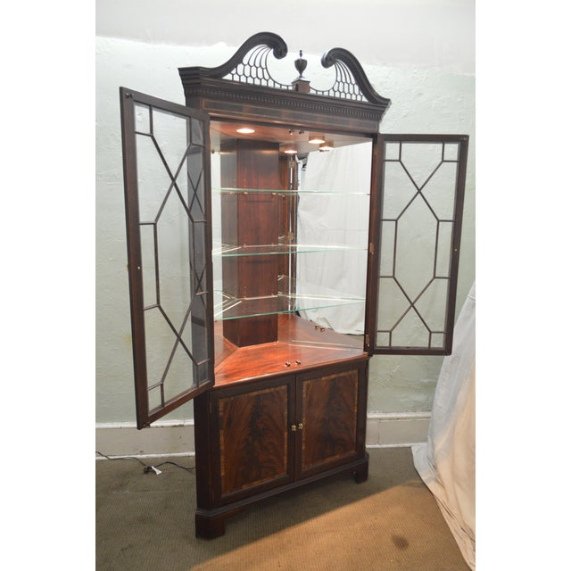 Stickley Flame Mahogany Chippendale Style Corner Cabinet For Sale In Philadelphia - Image 6 of 13