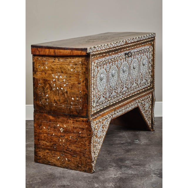 Islamic 19th Century Syrian Inlaid Wedding Chest For Sale - Image 3 of 10