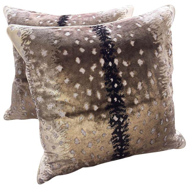 Scalamandre Scalamandre Belgian Antelope Velvet Pillows - Set of 2 For Sale - Image 4 of 4