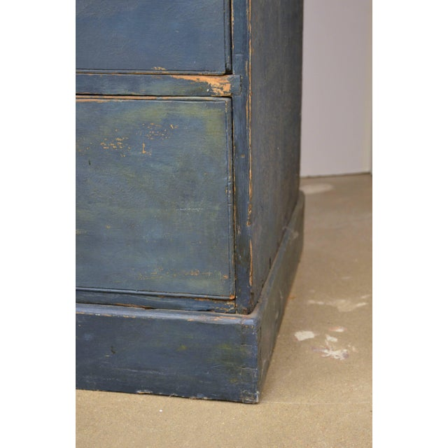 English Chest of Drawers, Early 19th Century For Sale In Austin - Image 6 of 11