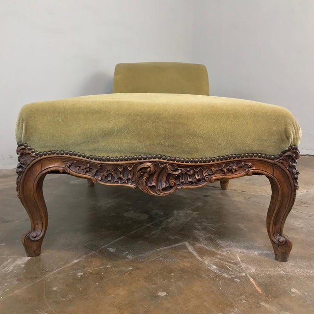 19th Century French Louis XV Chaise Longue For Sale - Image 10 of 13