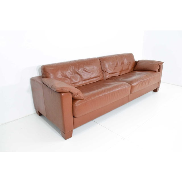 Model DS-17 in saddle/cognac leather. Beautiful condition. Legs can be replaced with wood if desired. They screw on.
