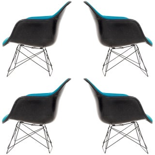 Set of Four Charles Eames Lar Chairs For Sale