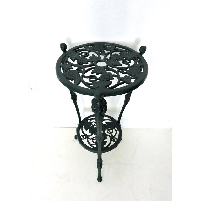 Light weight and rust proof round aluminium patio or side table suitable for either indoors/outdoors - possibly as a plant...
