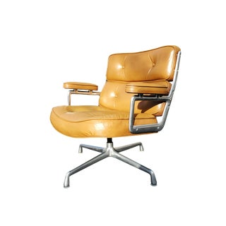 A Mid-Century Eames Time Life Lounge Chair for Herman Miller For Sale