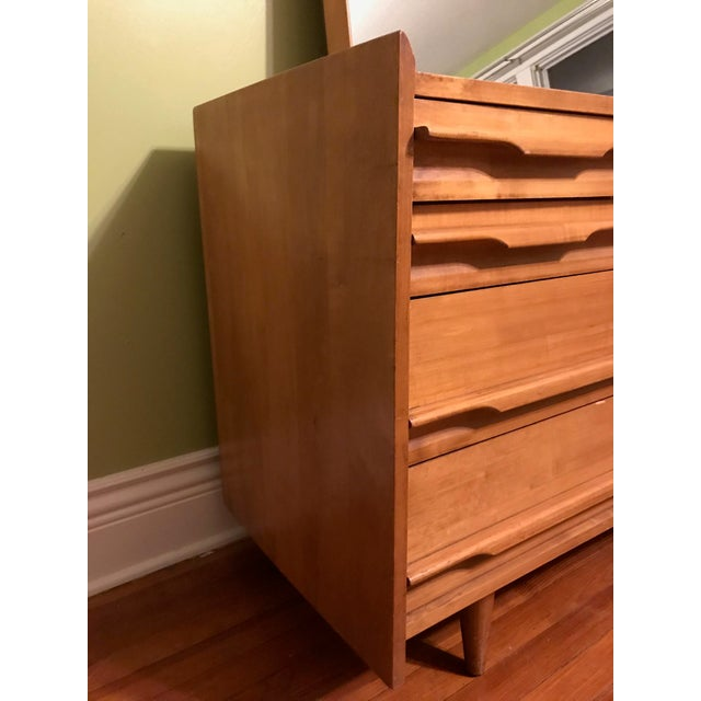 Mid Century Modern Blonde Wood Chest Of Drawers With