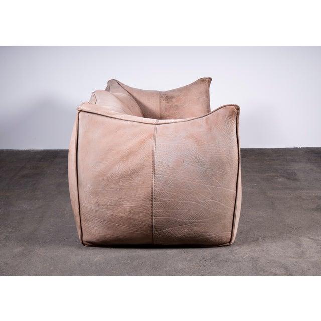 1970s Original Buffalo Leather Bambole Loveseat Sofa by Mario Bellini for B&b Italia For Sale In Lexington, KY - Image 6 of 9