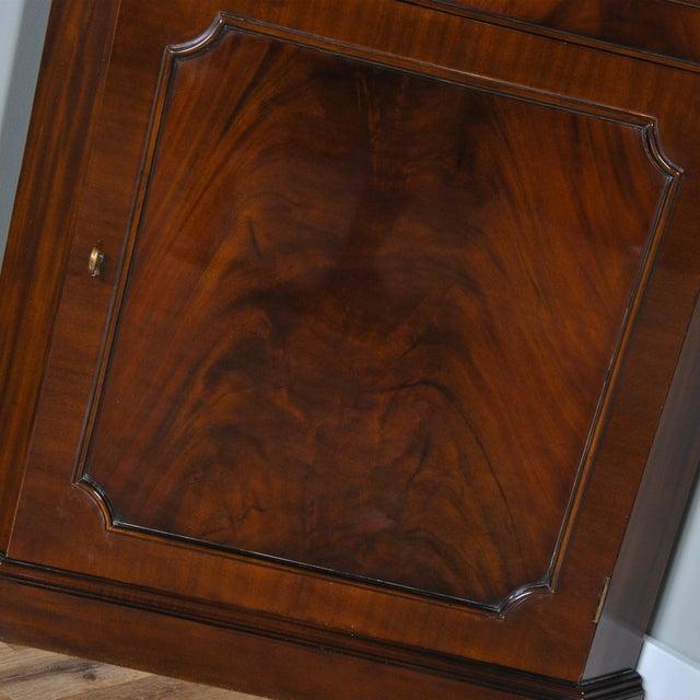 2010s Niagara Furniture Mahogany Corner Cabinet For Sale - Image 5 of 8