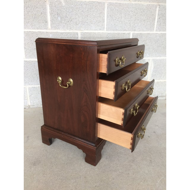 Ethan Allen Ethan Allen Georgian Court Bachelor Chairside Chest For Sale - Image 4 of 9