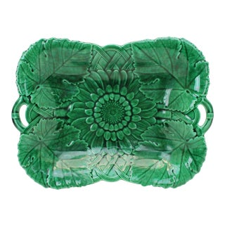 19th Century Wedgwood Green Majolica Sunflower Leaf Serving Tray For Sale